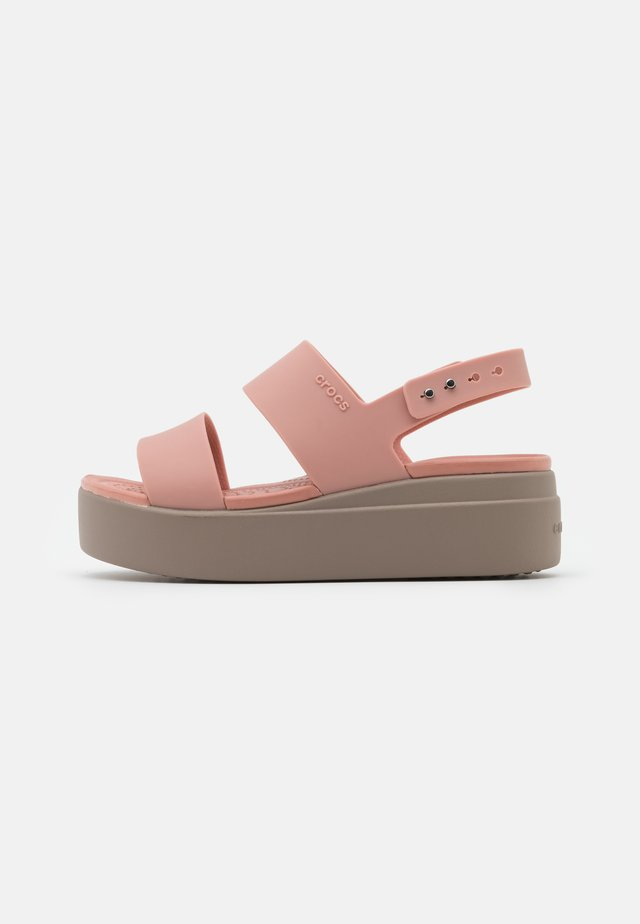 BROOKLYN LOW WEDGE - Sandały na platformie - pale blush/mushroom