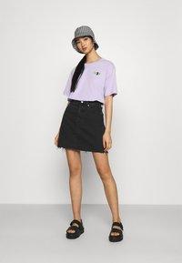 Monki - TOVI TEE - Print T-shirt - lilac - 1