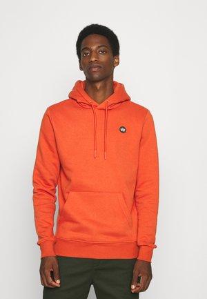 LARS HOOD - Sweater - burned orange