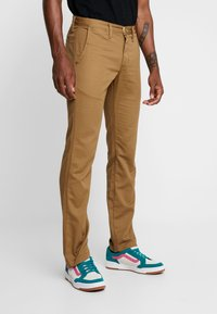 Vans - MN AUTHENTIC CHINO STRETCH - Chinos - dirt - 0