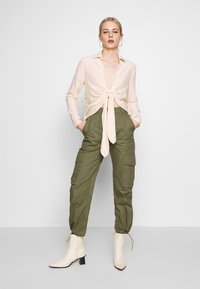 Missguided - DRAWCORD CUFF TROUSER - Trousers - khaki - 1