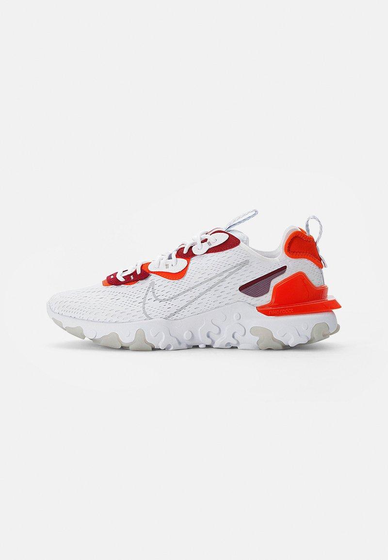 Nike Sportswear - NIKE REACT VISION - Sneakersy niskie - white/lt smoke grey-team orange-team red-pure platinum