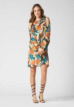 Day dress - fieno