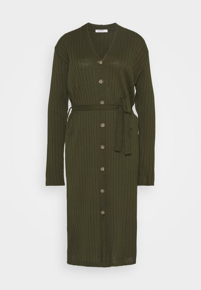 BUTTON THROUGH DRESS WITH LOW V NECK TIE BELT AND LONG SLEEVES - Gebreide jurk - khaki