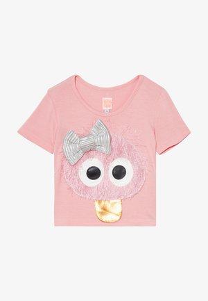 CUTE CONNIE - Print T-shirt - pink