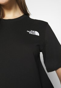 The North Face - TEE - T-shirts med print - black - 3