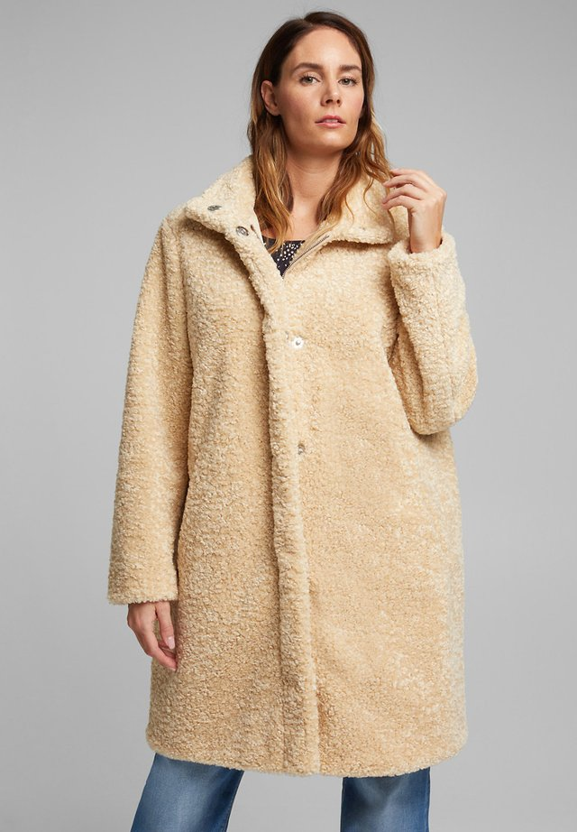 Winter coat - cream beige