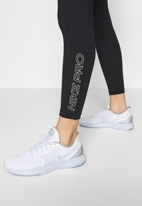 Nike Performance - TIGHT 7/8  - Leggings - black/white - 3