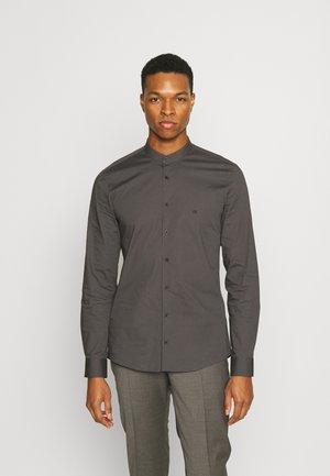 LOGO STRETCH SLIM - Zakelijk overhemd - charcoal
