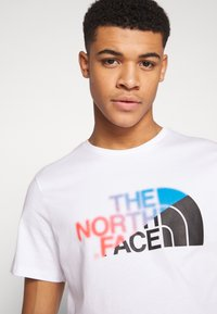 The North Face - Print T-shirt - white/clear lake blue - 3