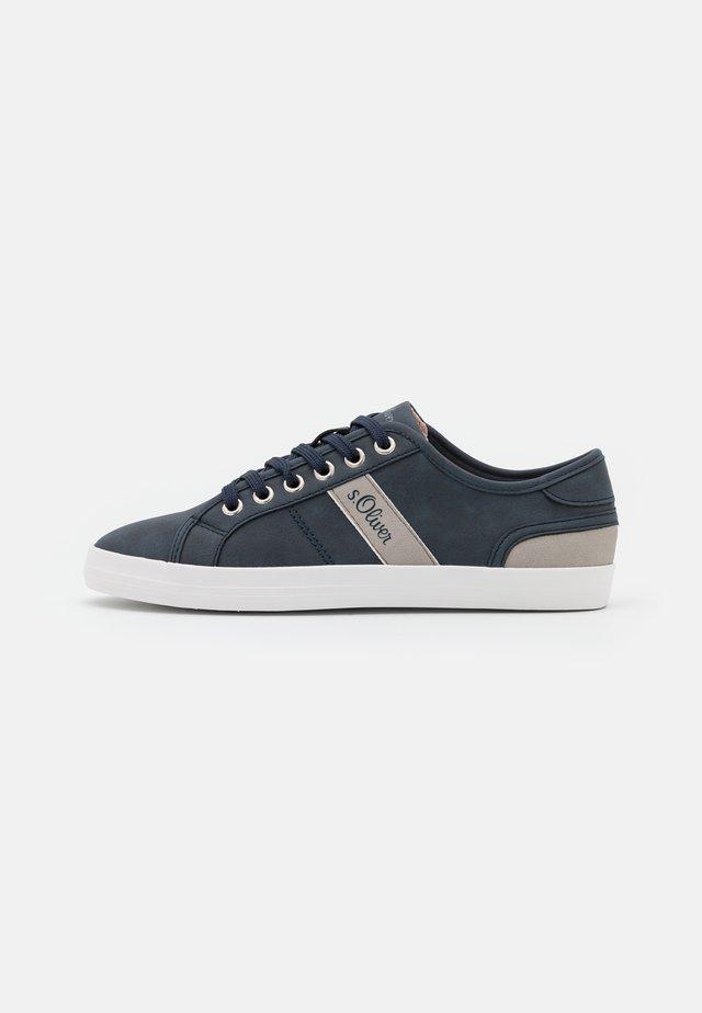 Sneakers laag - navy/grey