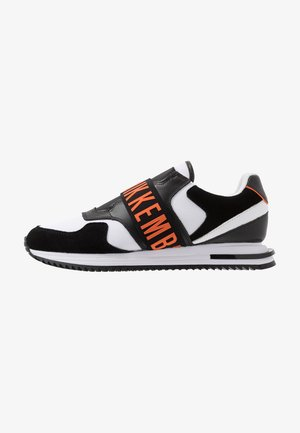HALED - Slip-ons - black/white/orange