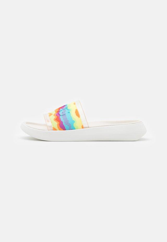 SLIDE CALI COLLAGE - Muiltjes - rainbow