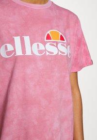 Ellesse - NEWHAY - Print T-shirt - pink - 6