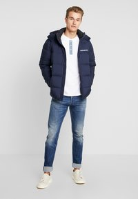 Calvin Klein Jeans - HOODED PUFFER - Down jacket - night sky - 1