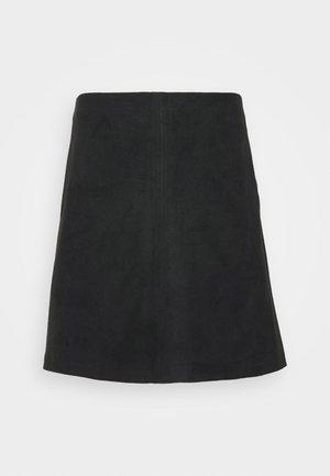 Áčková sukně - black