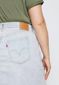 Levi's® Plus - DECONSTRUCTED SKIRT - Jeansskjørt - light-blue denim - 4