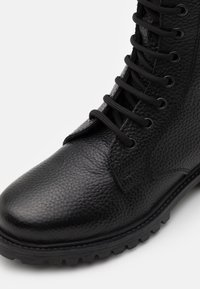 DECHASE - KEFF HIGH EMBOSSED UNISEX - Lace-up ankle boots - black - 5