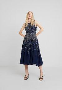 Lace & Beads - EELIA MIDI DRESS - Robe de soirée - navy - 0