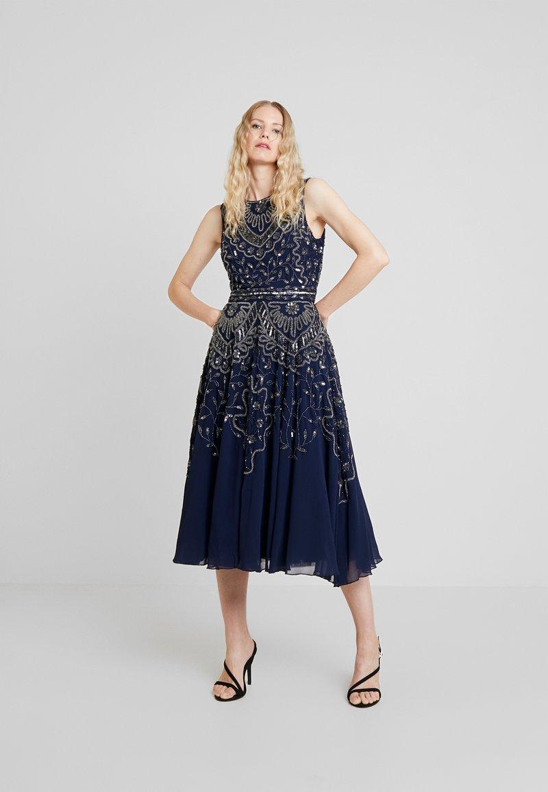 Lace & Beads - EELIA MIDI DRESS - Robe de soirée - navy