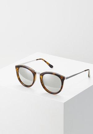 NO SMIRKING  - Sunglasses - tort