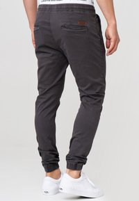 INDICODE JEANS - FIELDS - Trousers - raven - 2