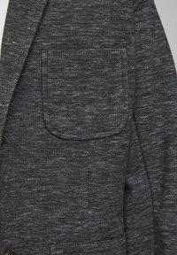 Jack & Jones Junior - SWEATBLAZER JUNGS SWEATSTOFF - Blazer jacket - black denim - 2