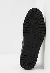 Zign - Elegantní šněrovací boty - black - 4