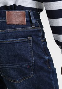 Tommy Hilfiger - BLEECKER - Jeans slim fit - new dark stone - 4