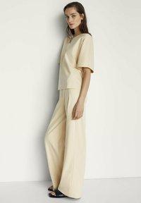 Massimo Dutti - Spodnie materiałowe - beige - 3