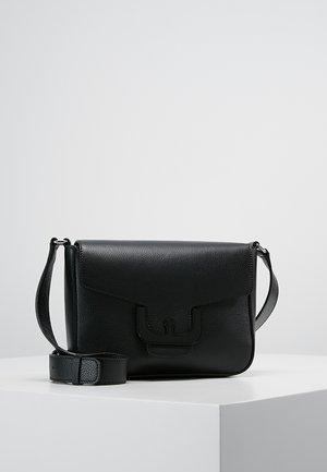 AMBRINE CROSS FOLD OVER - Across body bag - noir