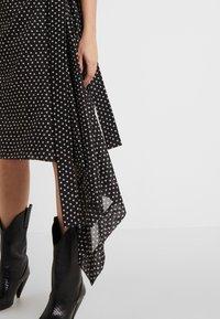 Vivienne Westwood Anglomania - BLANKET SKIRT - A-Linien-Rock - black/white - 4