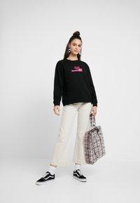 Obey Clothing - INTERNATIONAL FLEUR - Sweatshirt - black - 1