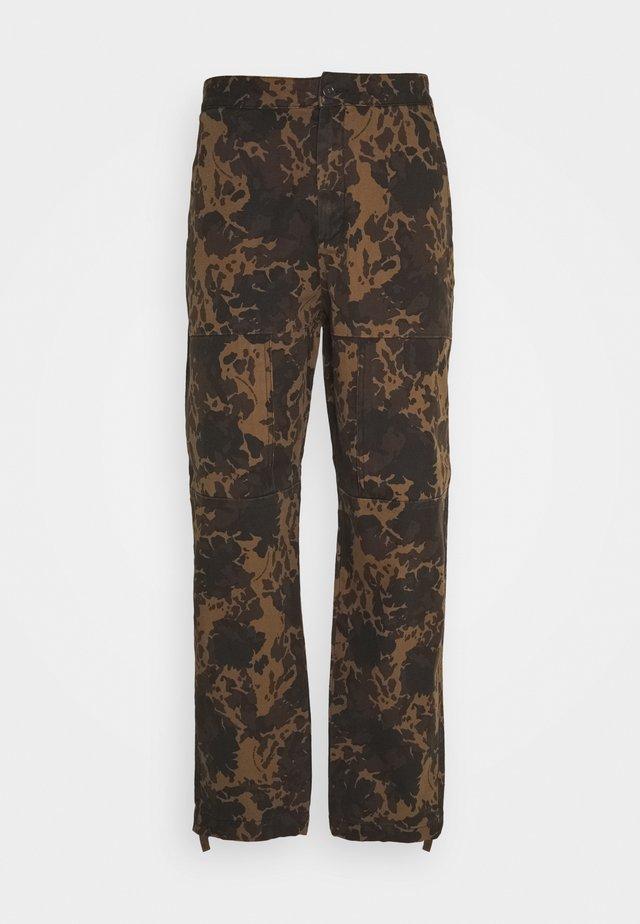 HAMISH TROUSERS - Cargo trousers - khaki