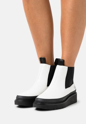 PLUS MID CHELSEA - Ankle boots - bright white