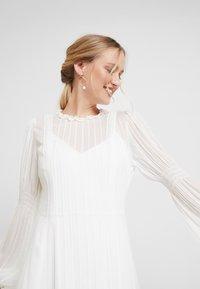IVY & OAK BRIDAL - BRIDAL DRESS LONG - Occasion wear - snow white - 4