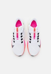 Nike Performance - AIR ZOOM PEGASUS 38 FLYEASE - Neutrala löparskor - white/black/football grey/pink blast/bright crimson - 3