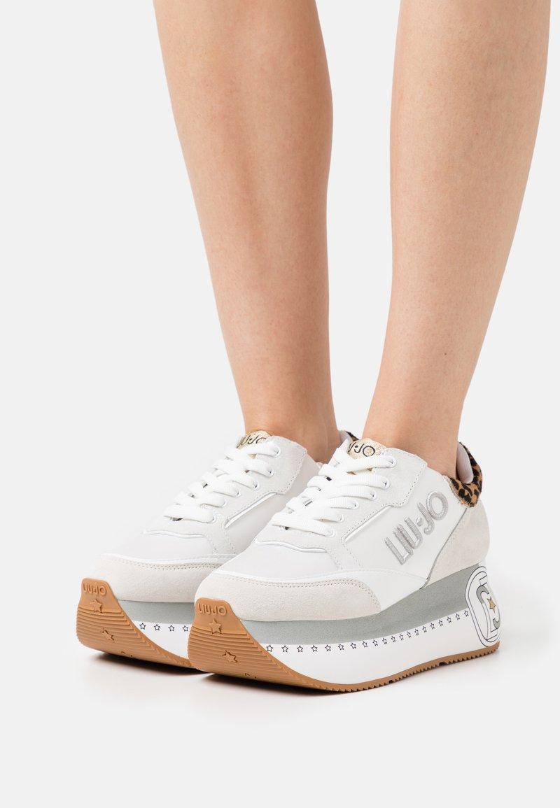 Liu Jo Jeans - SUPER MAXI - Sneakersy niskie - white