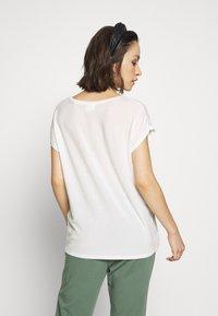 Vero Moda - VMAVA V NECK TEE - Basic T-shirt - snow white - 2