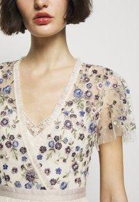 Needle & Thread - PRAIRIE FLORA BODICE DRESS - Společenské šaty - champage - 5