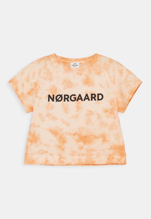 TOPINI - Print T-shirt - tangerine