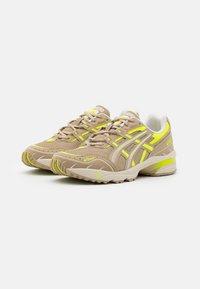 ASICS SportStyle - GEL-1090 UNISEX - Sneakers - wood crepe - 1
