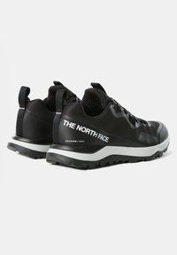 The North Face - W ACTIVIST FUTURELIGHT - Outdoorschoenen - black/ white - 1