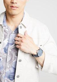 Emporio Armani - Zegarek chronograficzny - blau - 1