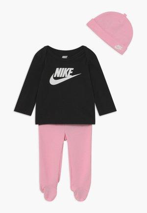 NIKE SET - Beanie - pink