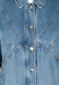 Zizzi - Denim jacket - light blue - 4