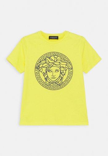 SHORT SLEEVES UNITED MEDUSA UNISEX - Print T-shirt - yellow/bluette