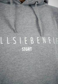 PLUSVIERNEUN - STUTTGART - Hoodie - grey - 5