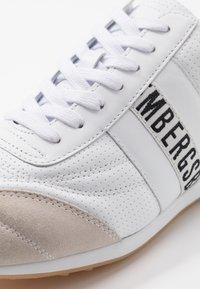 Bikkembergs - BARTHEL - Sneakersy niskie - white - 5
