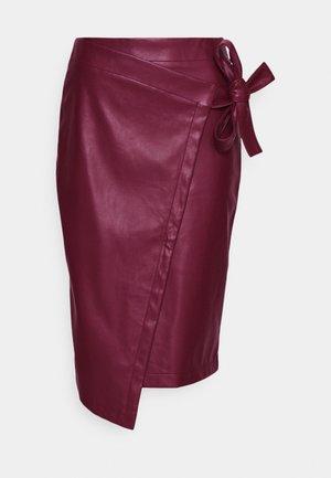 SALLY SKIRT - Pouzdrová sukně - sassafras